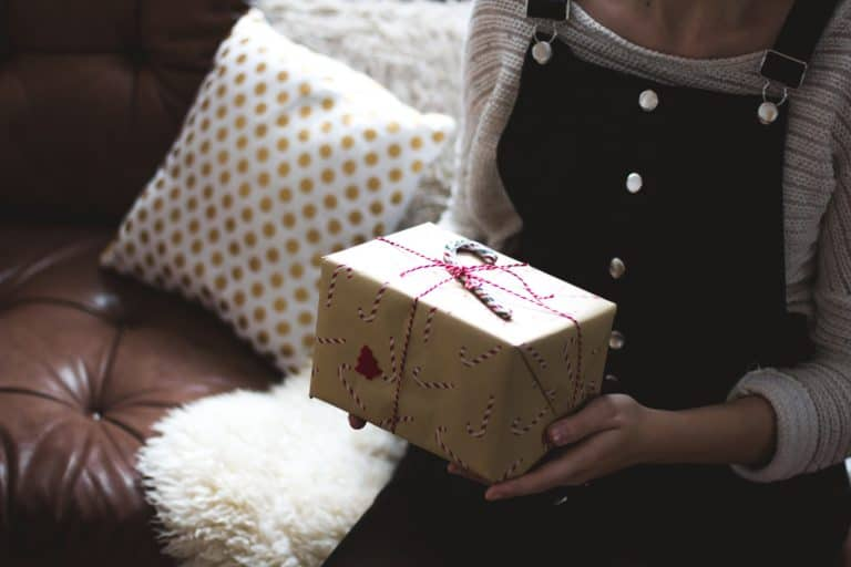 6 Tips to Save for the Holidays NOW When You're On a Tight Budget