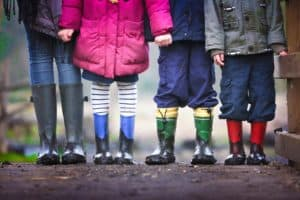 7 Tips to Live Frugally With 7 Kids