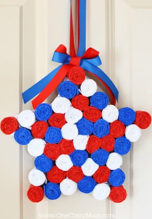 12 Cute Patriotic Wreaths & Door Hangers