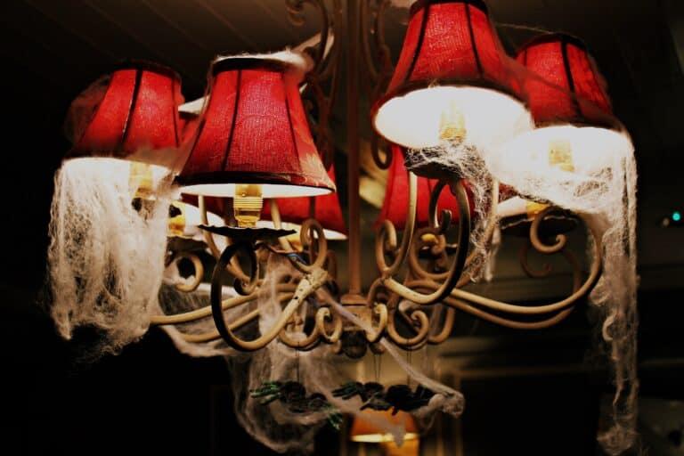 21 Incredible Indoor Halloween Decor Ideas