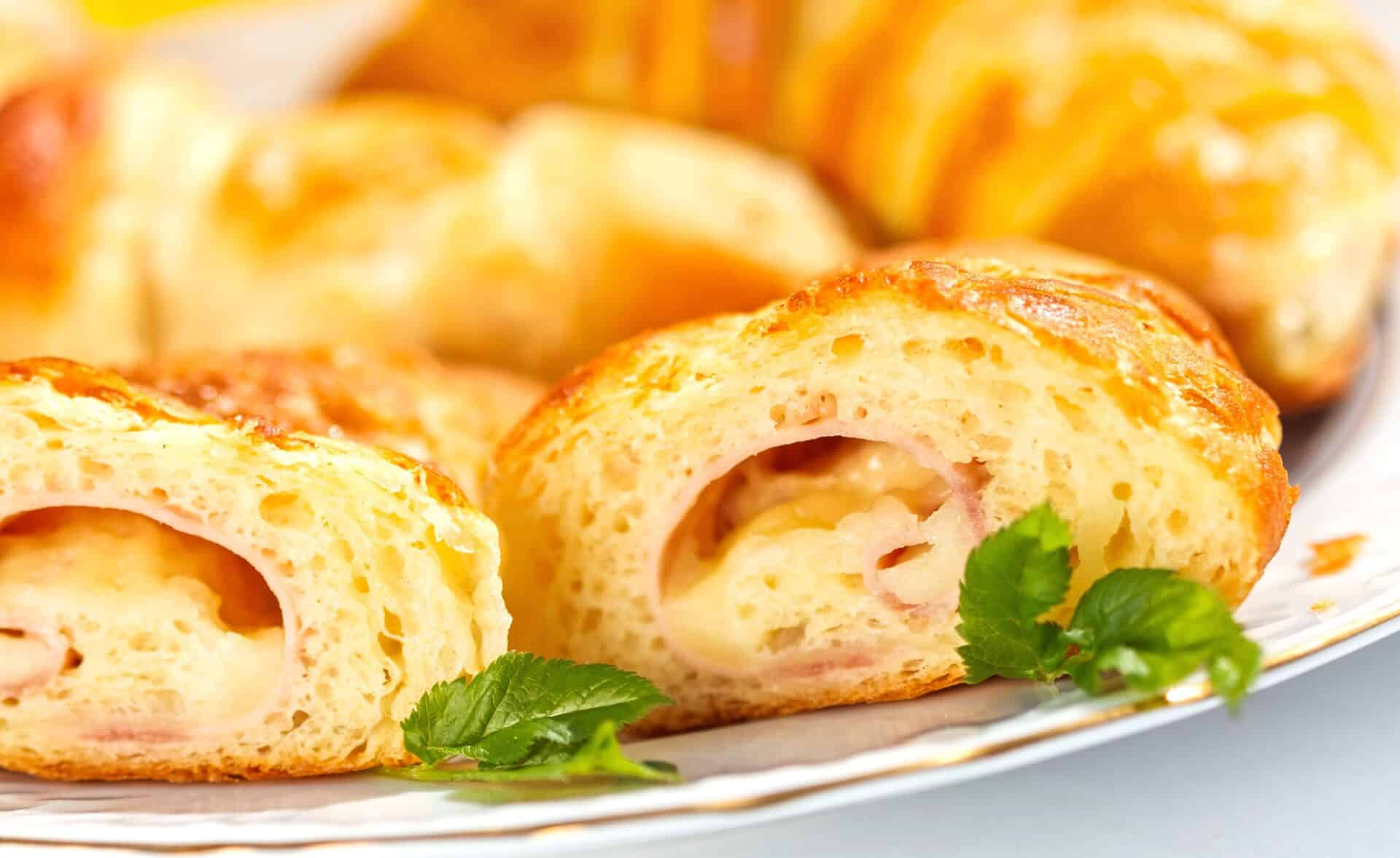 Easy Ham & Cheese Roll-Ups