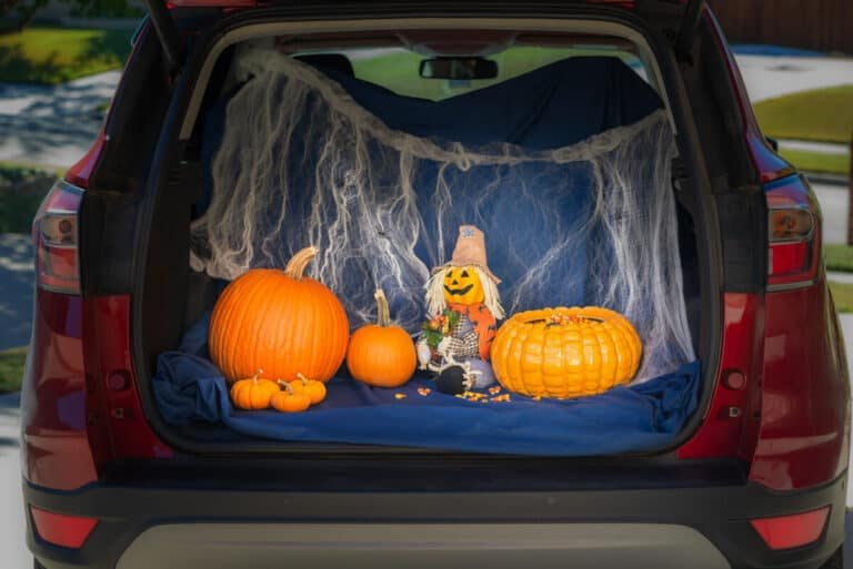 7 Insanely Clever Halloween Trunk-or-Treat Ideas