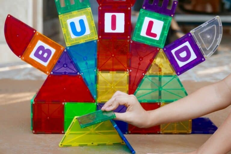 15 Free Kids Activities with Magna-tiles